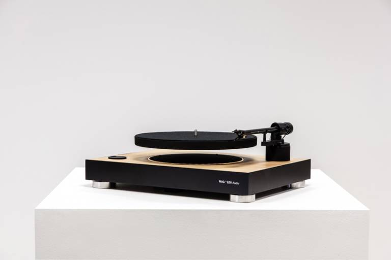 mag-lev audio floating turntable designboom