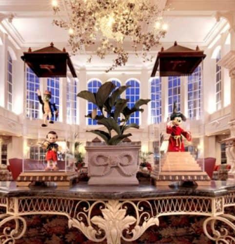 Disneyland_Hotel_1
