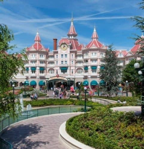 Disneyland_Hotel_2